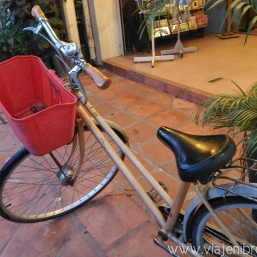 Explored Siem Reap Pubstreet and Central Market with this bike.